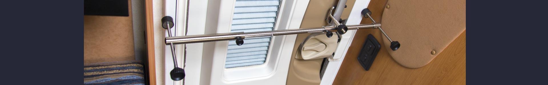 Nem montage af CamperLock på dørkarm, forhindre alle indbrud i campingvogn eller autocamper